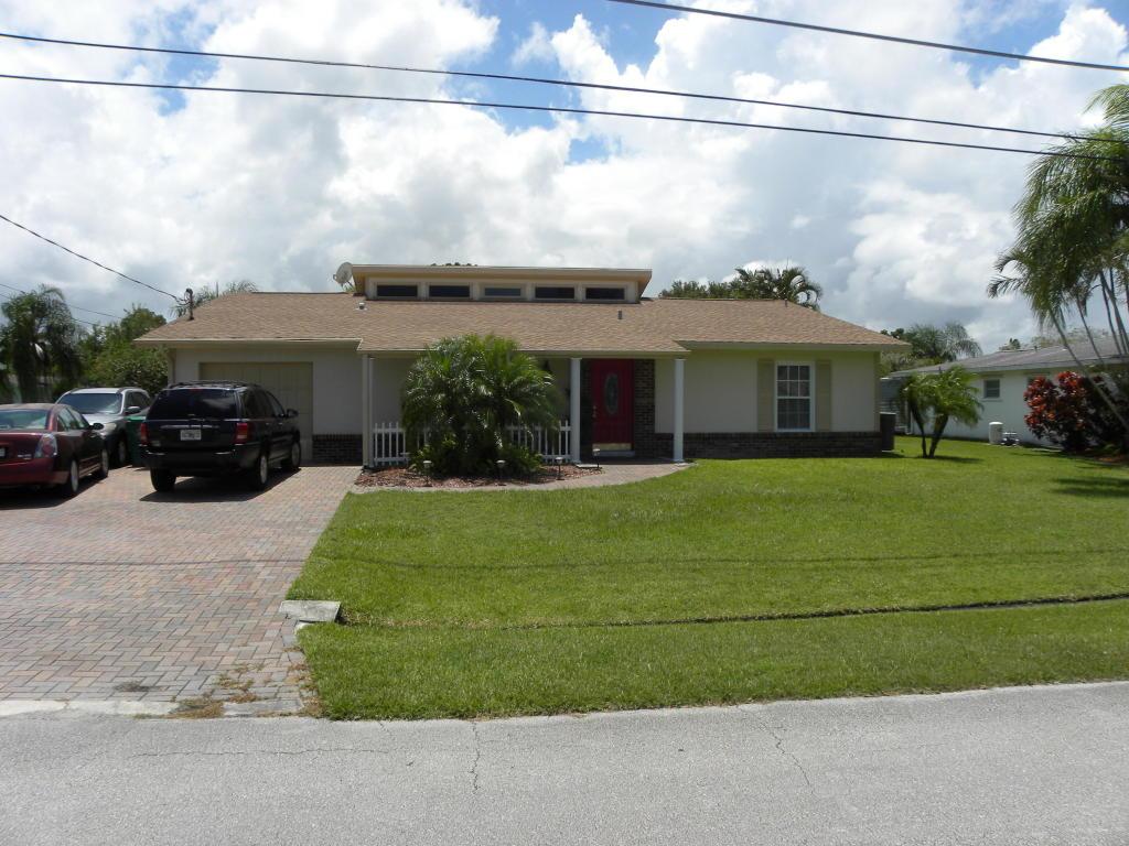 728 SE Degan Drive, Port Saint Lucie, FL 34983