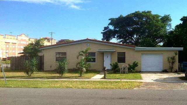 146 SE 11th Ave, Boynton Beach, FL 33435