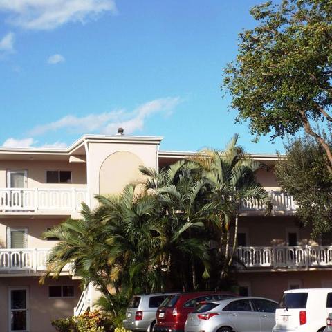 2687 Garden Dr #202, Lake Worth, FL 33461