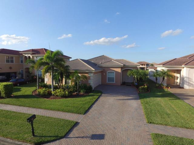 147 Bella Vis #147, Royal Palm Beach, FL 33411