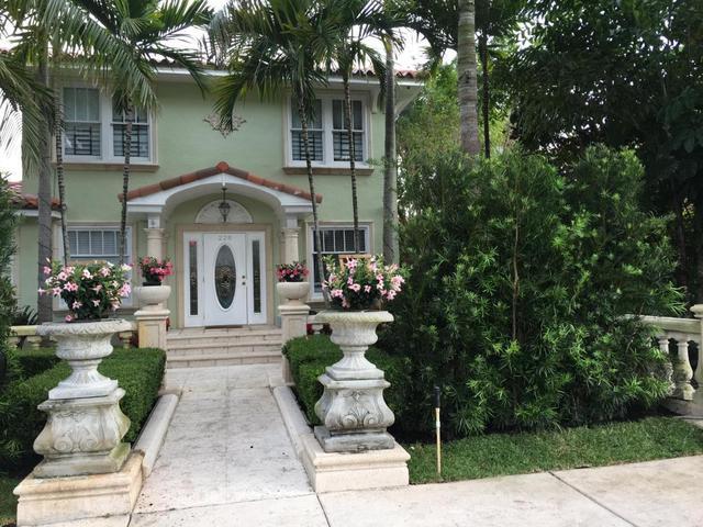 228 9th St, West Palm Beach, FL 33401
