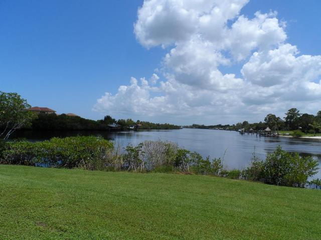2690 SE Erickson Dr, Port Saint Lucie, FL 34984