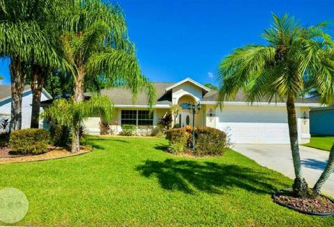 13112 Meadowbreeze Dr, Wellington, FL 33414