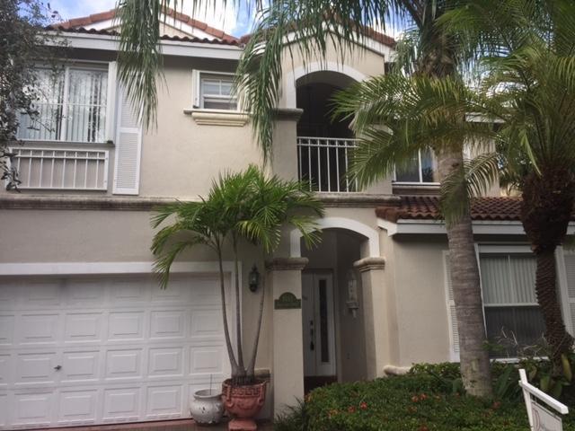 1085 Satinleaf St, Hollywood, FL 33019