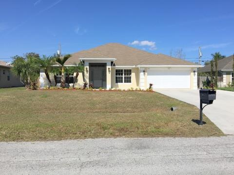 1561 SW Merchant LnPort Saint Lucie, FL 34953