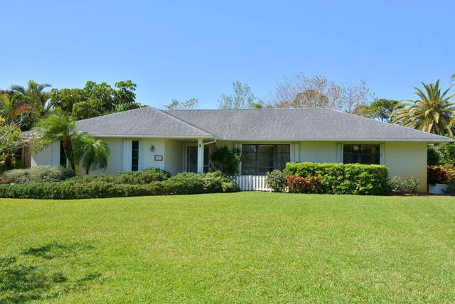 420 NE Town Ter, Jensen Beach, FL 34957