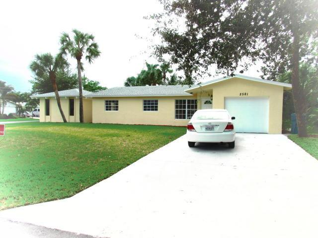 2581 SW 10th Ct, Boynton Beach, FL 33426