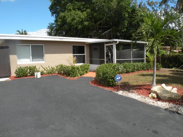 225 SE 4th Ave, Boynton Beach, FL 33435