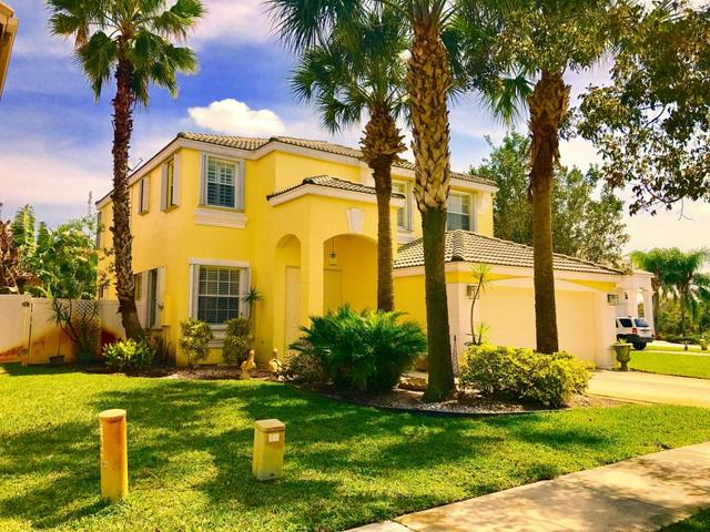 3022 Rockville Ln, Royal Palm Beach, FL 33411