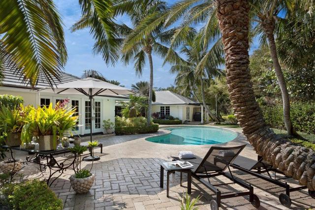 70 Curlew Rd, Manalapan, FL 33462
