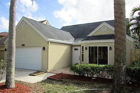 5060 Willow Pond Rd, West Palm Beach, FL 33417