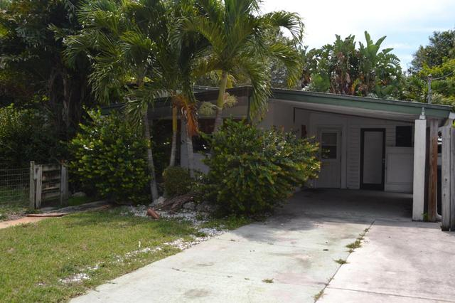 2505 S 14th St, Fort Pierce, FL 34982