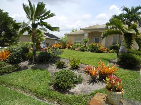 1221 SW Kapok Ave, Port Saint Lucie, FL 34953