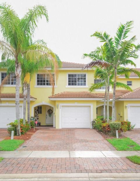 808 Imperial Lake Rd, West Palm Beach, FL 33413