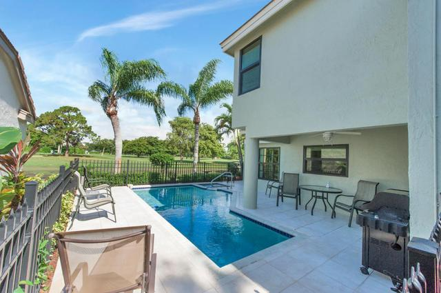 240 Sherwood Forest Dr, Delray Beach, FL 33445