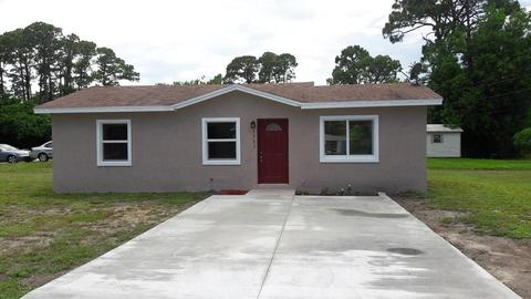 1303 N 35th St, Fort Pierce, FL 34947