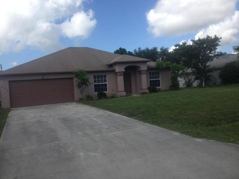 474 SW Jeanne Ave, Port Saint Lucie, FL 34953