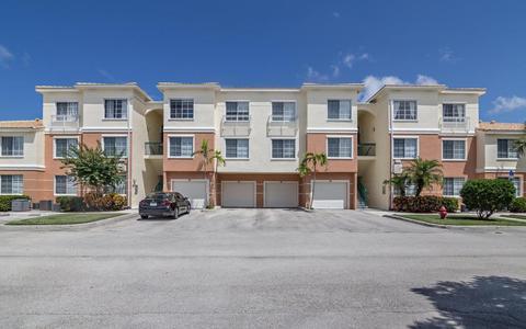 9206 Myrtlewood Cir, Palm Beach Gardens, FL 33418