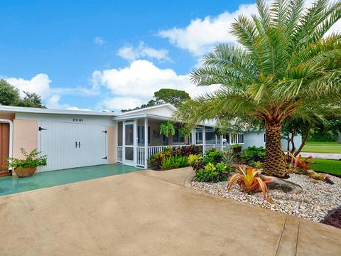 2401 Country Oaks Ln, West Palm Beach, FL 33410