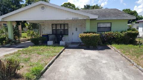 2205 Ave QFort Pierce, FL 34950
