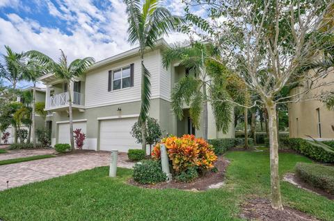Hampton Cay Real Estate | 12 Homes for Sale in Hampton Cay, Palm ...