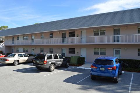 18081 Se Country Club Dr 63