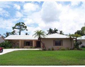 9892 SE Little Club Way, Tequesta, FL 33469