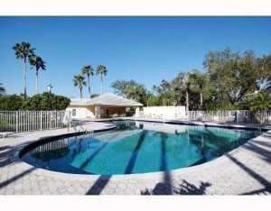 8618 Wakefield Dr, Palm Beach Gardens, FL 33410