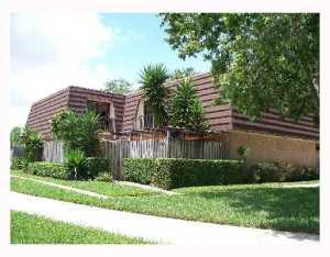 302 3rd Ln, Palm Beach Gardens, FL 33418