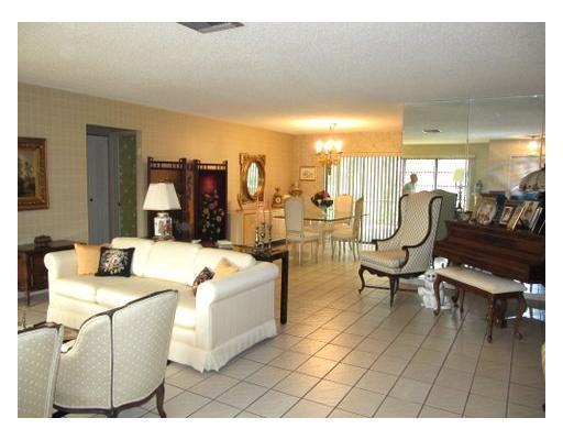 6361 Moonstone Way, Delray Beach, FL 33484