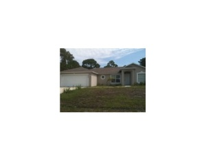 1055 SW Placetas Ave, Port Saint Lucie, FL