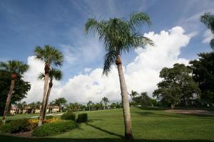 3872 Quail Ridge Dr, Boynton Beach, FL 33436