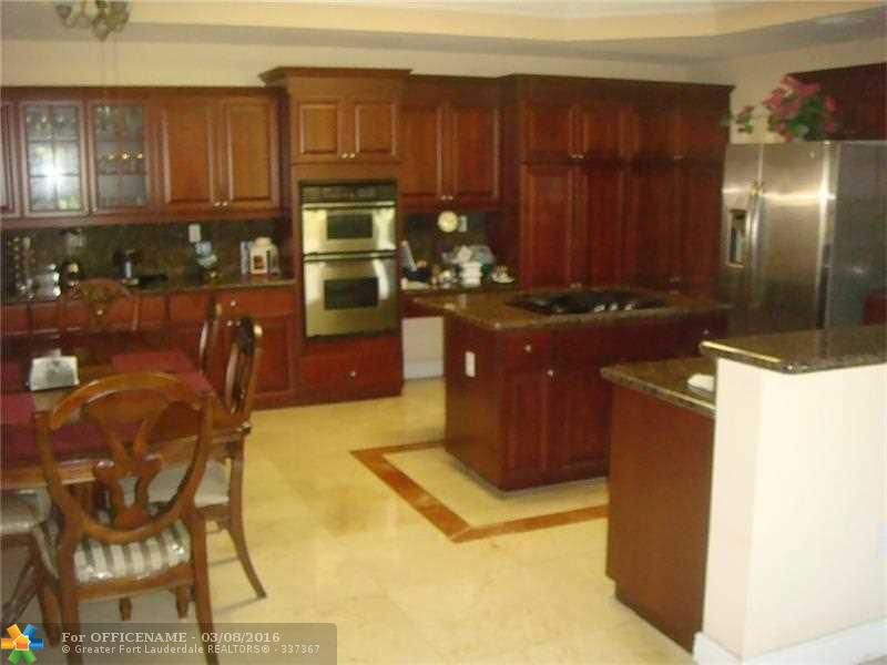 7971 NW 156th Terrace, Miami Lakes, FL 33016