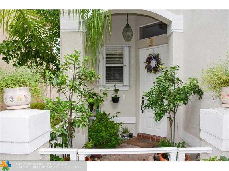 1135 Linden Street, Hollywood, FL 33019