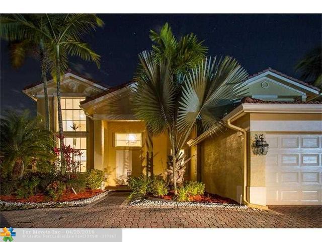 1646 Victoria Pointe Ln, Fort Lauderdale FL 33327