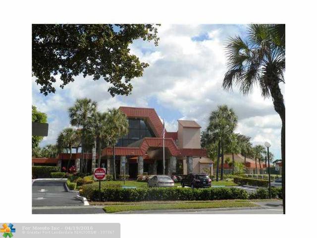 3150 Holiday Springs Blvd #APT 207, Pompano Beach, FL