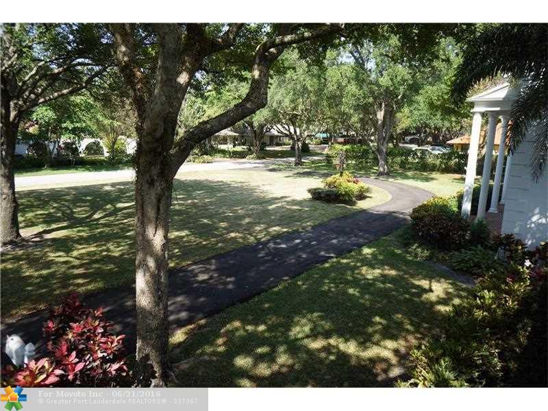5920 Almond Terrace, Plantation, FL 33317
