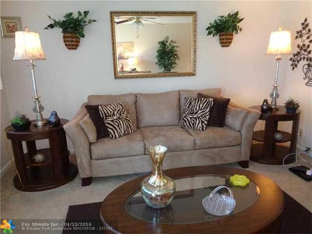 326 Oakridge #APT 326, Deerfield Beach FL 33442