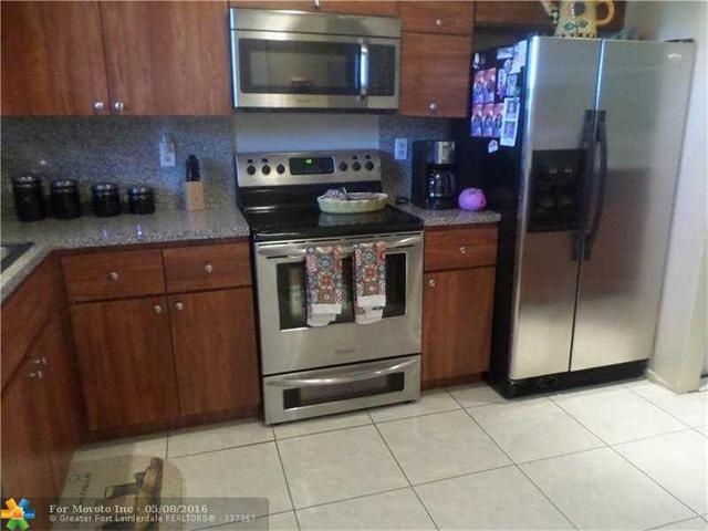 5860 NW 44th St #APT 202, Fort Lauderdale, FL