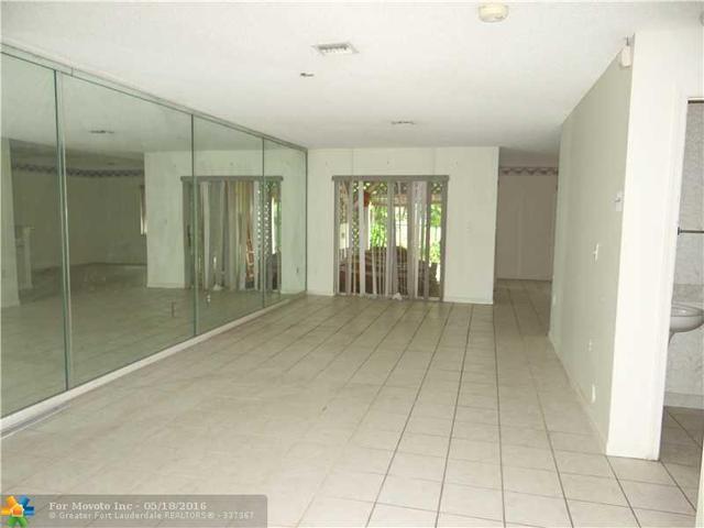 4149 Eastridge Cir, Pompano Beach, FL