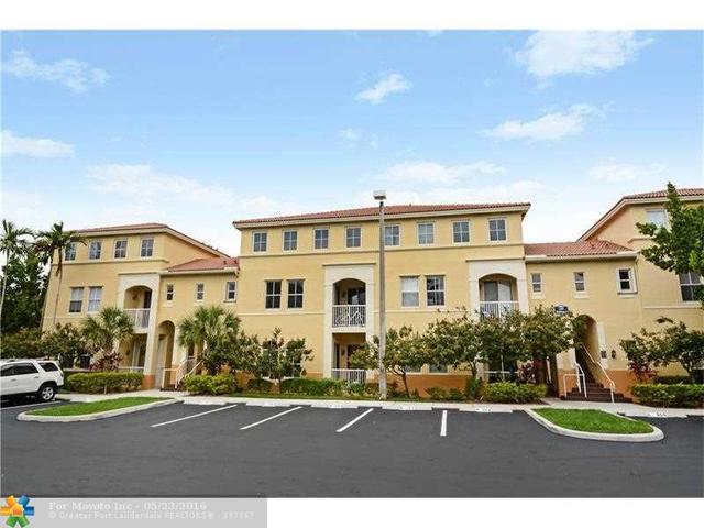 130 Jacaranda Country Cl #APT 55, Fort Lauderdale, FL