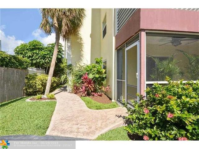 3216 SE 8th St #104, Pompano Beach, FL 33062