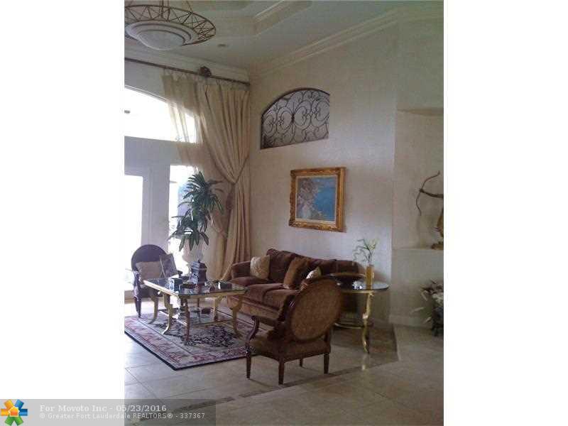 12390 NW 7th Street, Plantation, FL 33325
