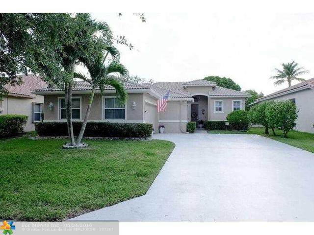 4853 NW 54th Ave, Pompano Beach FL 33073
