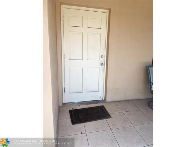 2837 Pierce St #APT 2, Hollywood, FL