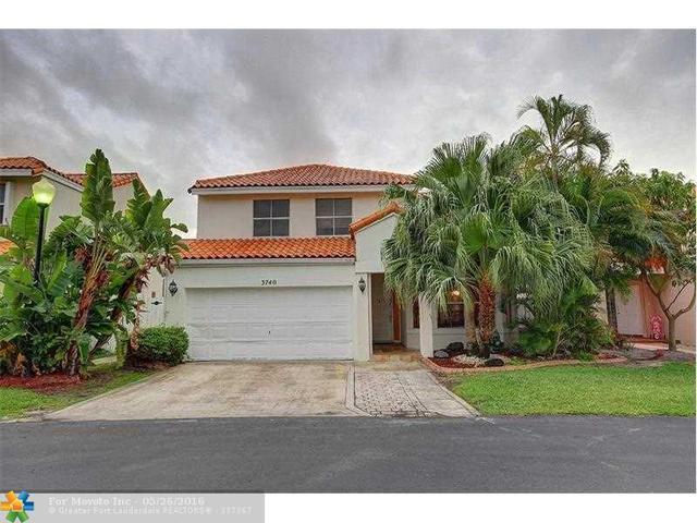 3740 Kensington St, Hollywood, FL