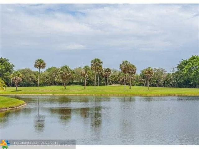 10065 Camelback Ln, Boca Raton, FL