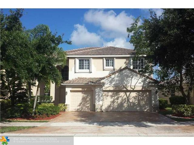 3863 Falcon Ridge Cir, Weston, FL 33331