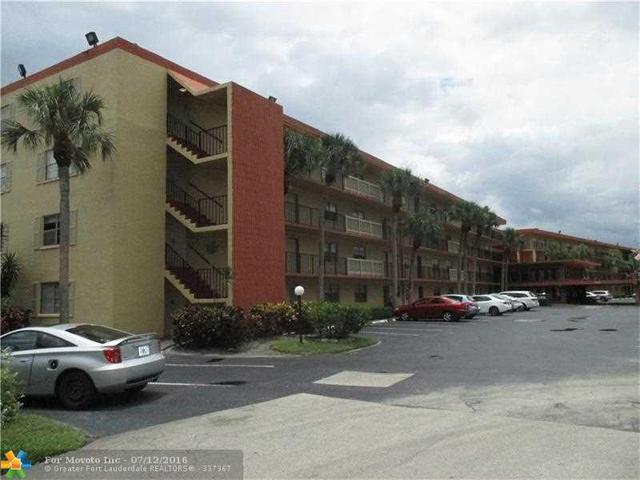 9440 SW 8th St #303, Boca Raton, FL 33428