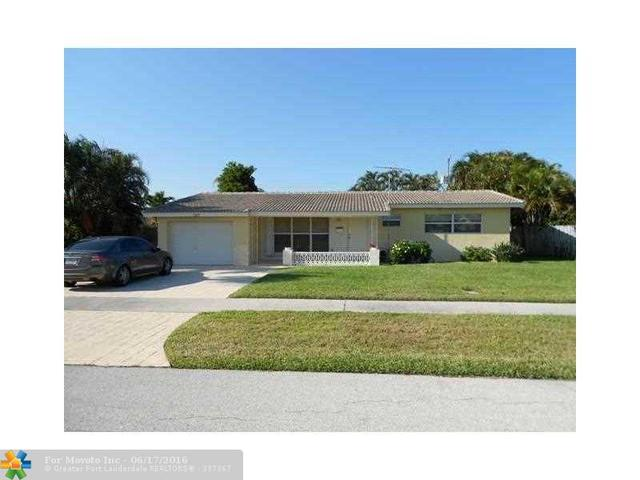 127 SE 11th Ct, Deerfield Beach, FL 33441